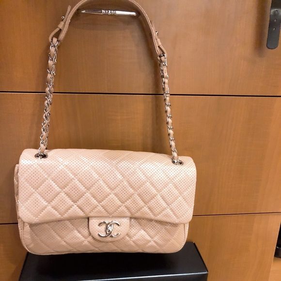 c149d183df2519 CHANEL Bags | Like New 100 Authentic No Marks No Scuffs | Poshmark